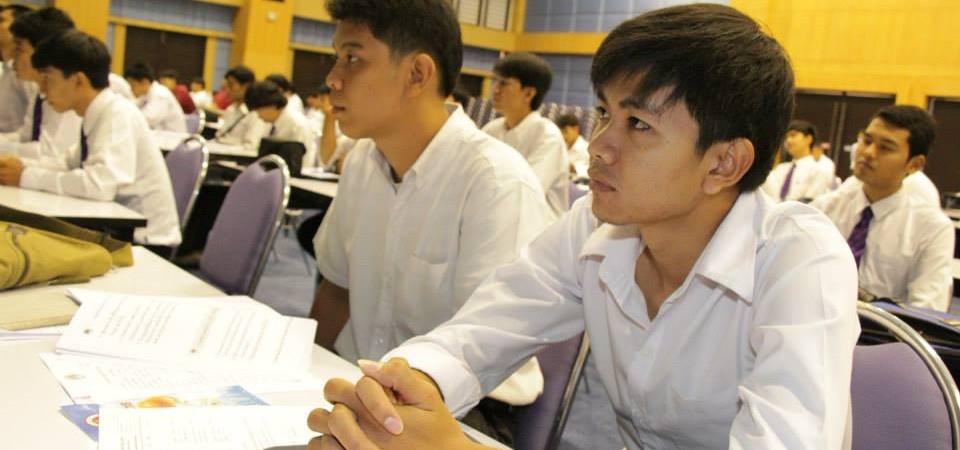 คณะครุศาสตร์อุตสาหกรรมรับสมัครนักศึกษาไม่ผ่านเกณฑ์การคัดเลือกของคณะวิศวกรรมศาสตร์